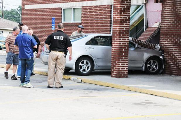 Car hits Patterson post office